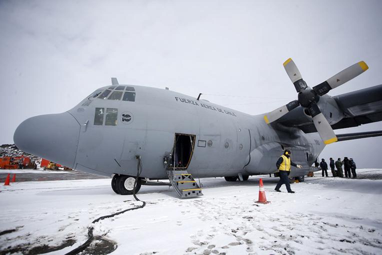Intenses recherches d'un avion militaire chilien disparu près de l'Antarctique