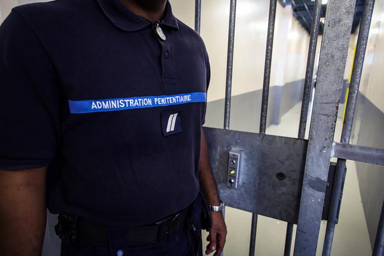 Guyane : deux agents pénitentiaires en garde à vue