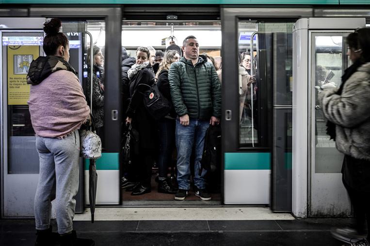 Un jeune homme interpellé après l'agression d'un étudiant israélien dans le métro
