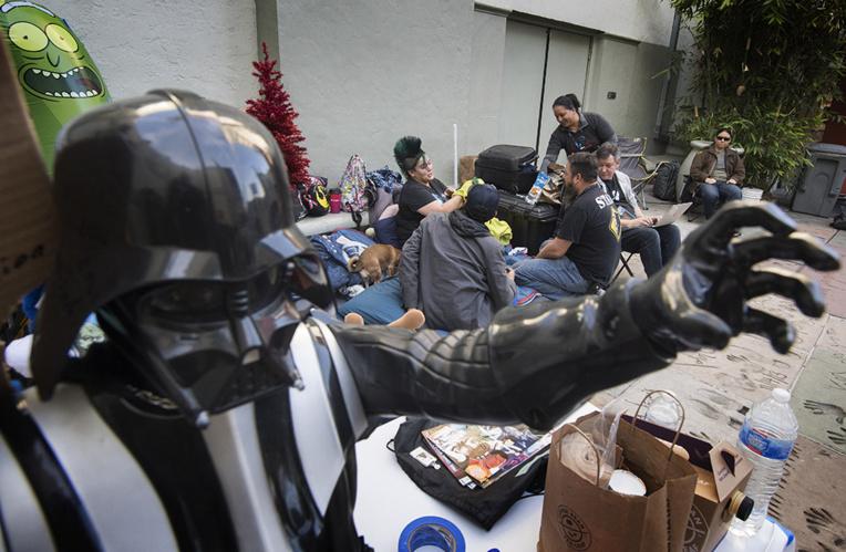 Une semaine avant la sortie du nouveau Star Wars, des fans américains font déjà la queue