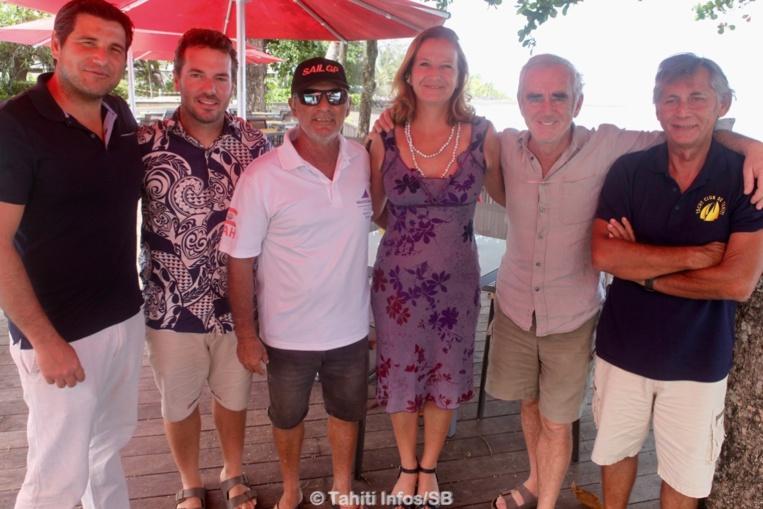 Torea Colas (ATN), Jesse Besson (Yacht Club), Didier Arnould (FTV), Stéphanie Betz (Archipelagoes), Loïck Peyron et Thierry Hars (FTV)