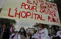 """Manifestation du collectif """"Notre santé en danger"""" à Paris"""