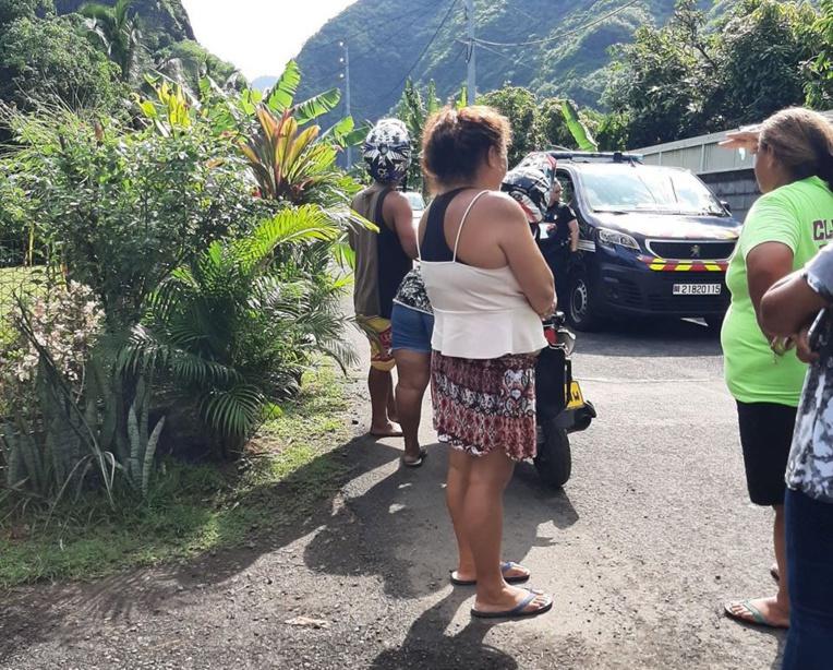 (FB Tahiti Taj)