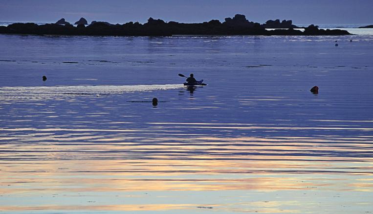 """""""Incompréhension"""" après la mort de trois kayakistes en baie de Somme"""