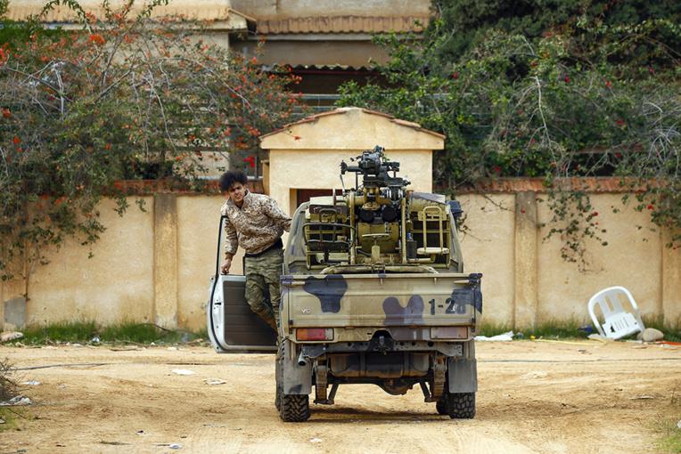 """Cessez-le-feu en Libye: """"soupir"""", prudent, de """"soulagement"""" chez des habitants de Tripoli"""