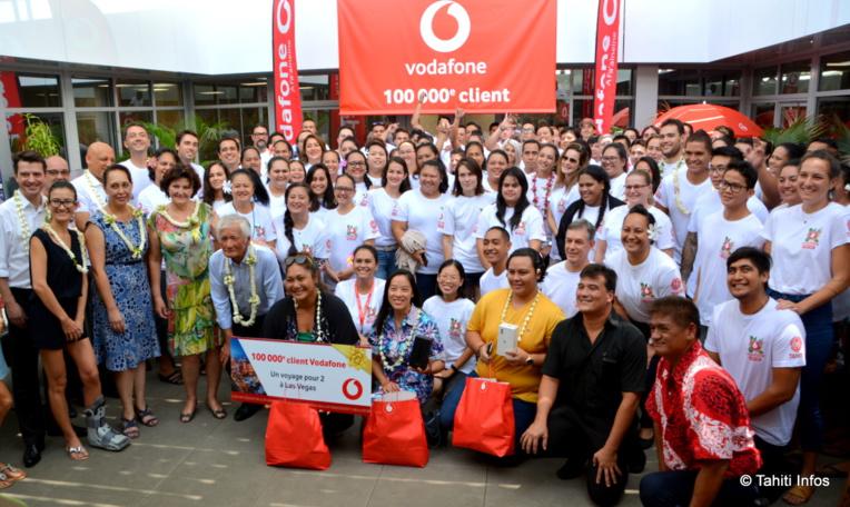 Vodafone a dépassé les 160 salariés, qui se sont réunis ce jeudi pour fêter les 100 000 clients de l'opérateur
