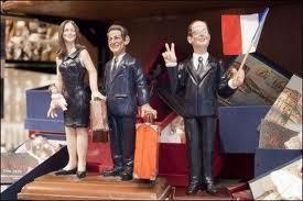 Chez les santons de Naples, Sarkozy fait ses valises, sur le web Carla aussi