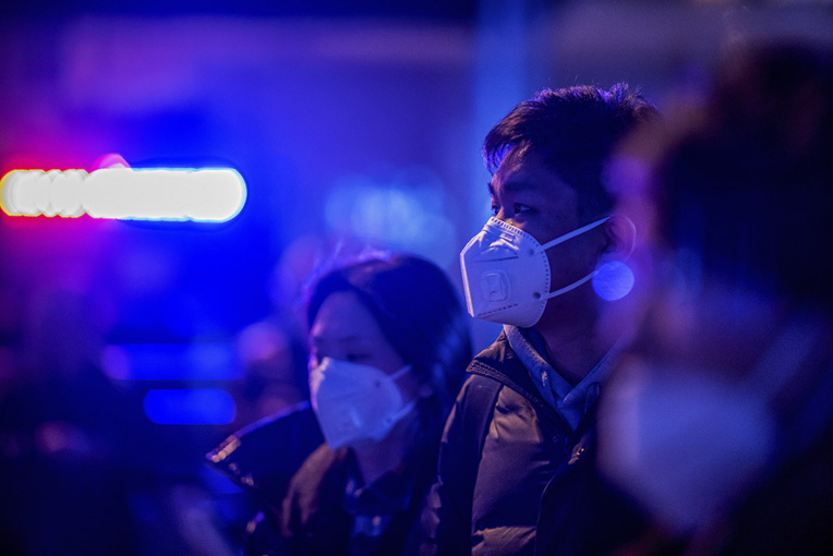 Le bilan du nouveau coronavirus monte à 17 morts en Chine, l'OMS se réunit
