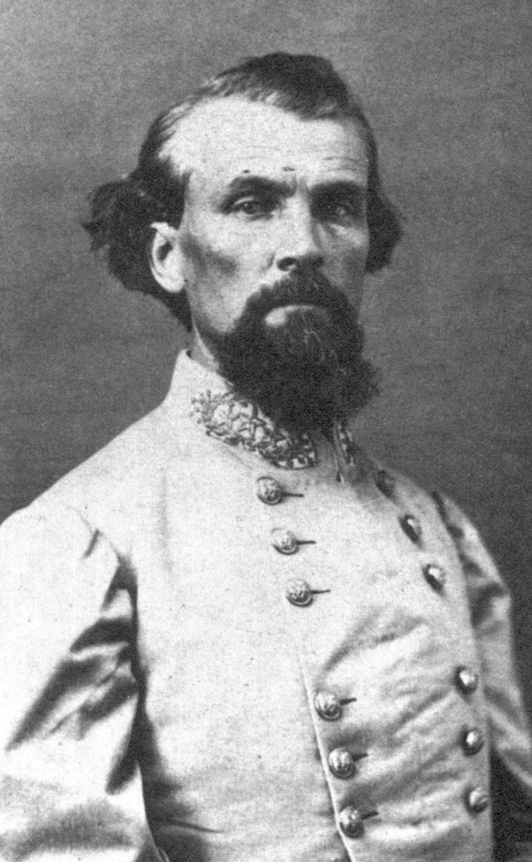 """Nathan Bedford Forrest (1821- 1877), ancien général sudiste, fut le premier """"Grand Sorcier"""" du Ku Klux Klan aux Etats-Unis. Le 12 avril 1864, pendant la Guerre de sécession, il avait ordonné le massacre de plusieurs centaines de soldats noirs de l'armée du Nord à Fort Pilow."""