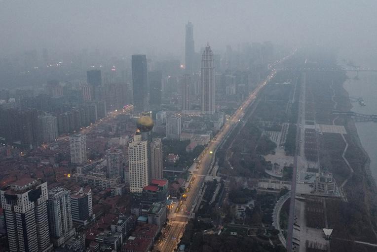 L'angoisse mondiale monte autour du virus chinois