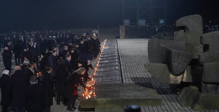 Avertissement des survivants de l'Holocauste, 75 ans après la libération d'Auschwitz