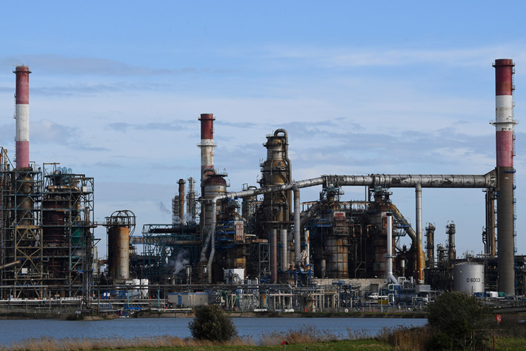 """Le groupe Total assigné en justice pour """"inaction"""" climatique"""