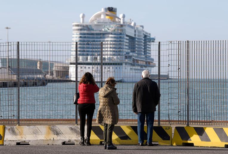 Coronavirus: 7.000 personnes bloquées en Italie sur un navire de croisière