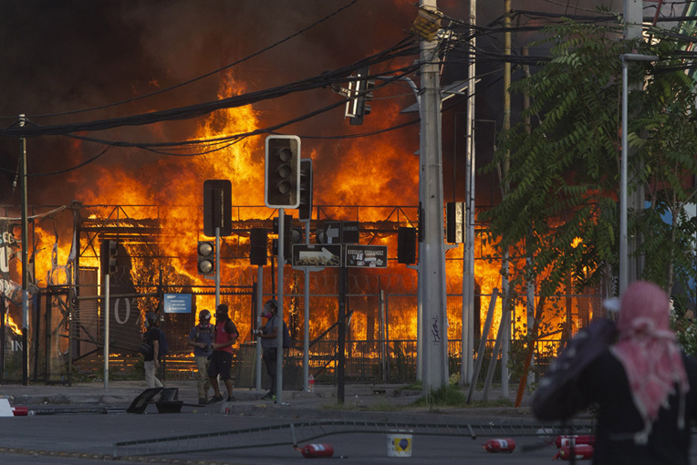 Chili : nouvelle flambée de violences, deux morts en deux jours