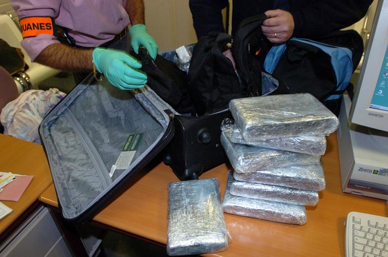 Drogue: Les douanes de Guyane interceptent moins de mules mais saisissent plus de cocaïne