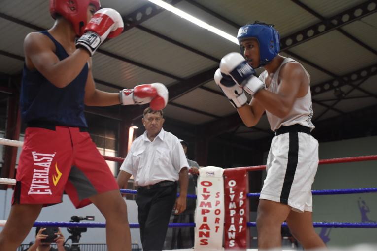 Chez les -81 kg, Gabriel Dauphin, casque bleu, a eu l'occasion de se tester avant de s'envoler pour les championnats de France amateur prévus le mois prochain.