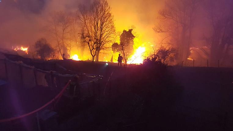 Incendie en Corse: les avions bombardier d'eau en action