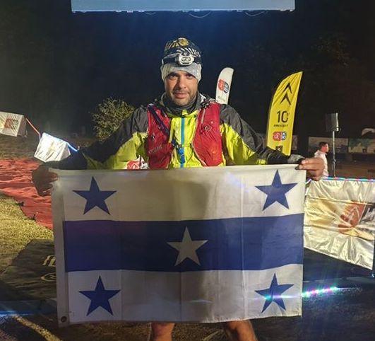 Alexis Cresence, président de l'AS Coureurs des Gambier (ASCDG) a bouclé à la mi-janvier les 102 kilomètres de l'ultra trail de Hong Kong en 20 heures.