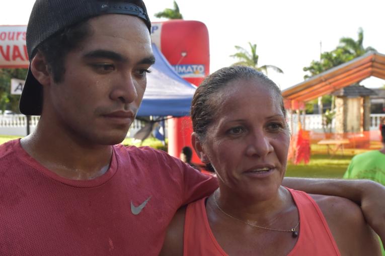 Le duo gagnant. Jason Papaura, 21 ans, et sa mère Sandra Papaura, 41 ans.