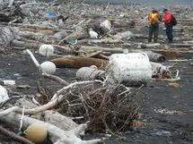 Une grande quantité de débris du tsunami japonais échouée en Alaska
