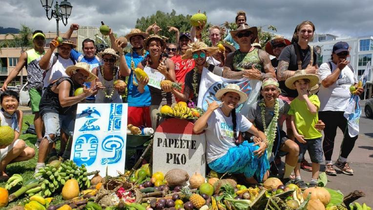 En septembre dernier, la team brouette avait déjà effectué un tour de l'île pour sensibiliser la population à la marche pour le climat.