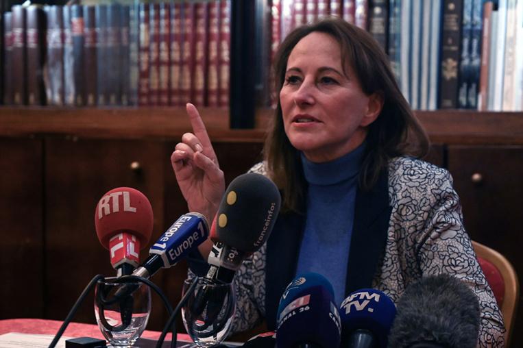"""Professeurs pédophiles présumés en Outre-mer: Ségolène Royal dit avoir """"mis fin à la loi du silence"""""""