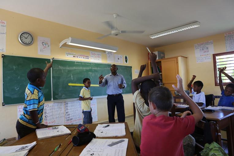 """Mayotte: Journée """"île morte dans l'Education"""" contre la réforme des retraites"""