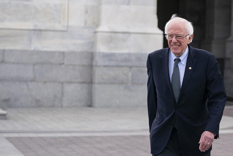 Primaires démocrates haletantes, Sanders et Buttigieg le vent en poupe