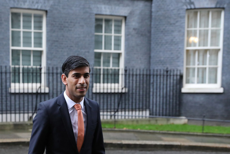 Rishi Sunak, propulsé à 39 ans ministre des Finances britannique