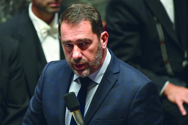 La classe politique s'indigne contre Castaner qui évoque la vie privée du patron du PS