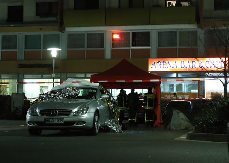 """Allemagne: 9 morts dans deux fusillades, piste """"xénophobe"""" privilégiée"""