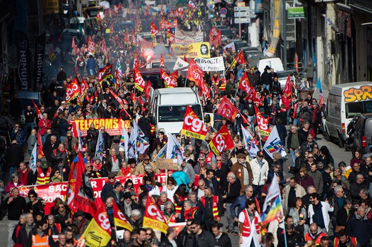 Retraites: les opposants peinent à rassembler dans les manifestations
