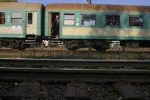 Deux Polonais voulaient transporter en train un cadavre dans un canapé