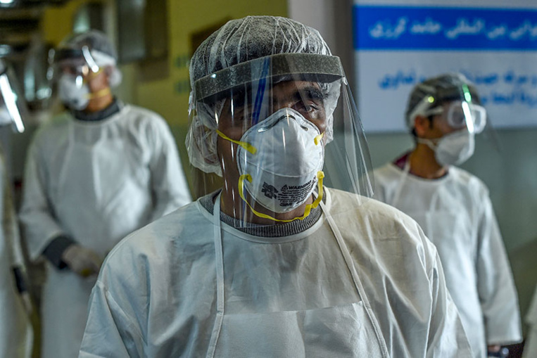 """Le nouveau coronavirus poursuit ses ravages, le monde """"pas prêt à y faire face"""""""