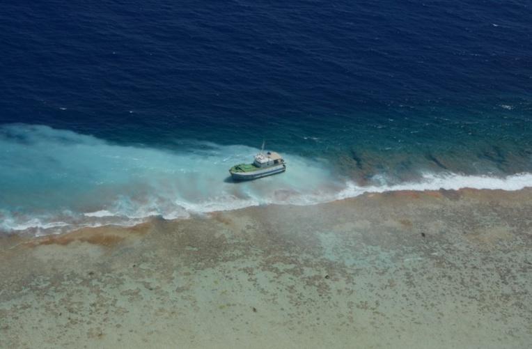 Le point sur les navires échoués aux Tuamotu