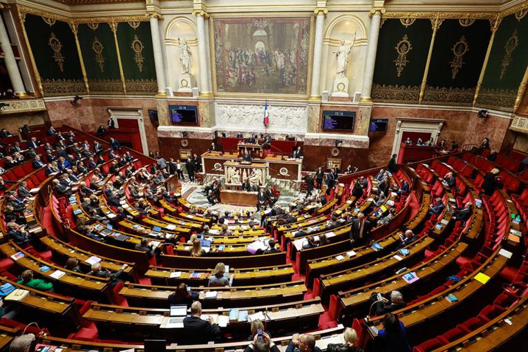 Retraites: les motions de censure rejetées, le projet de réforme adopté par l'Assemblée