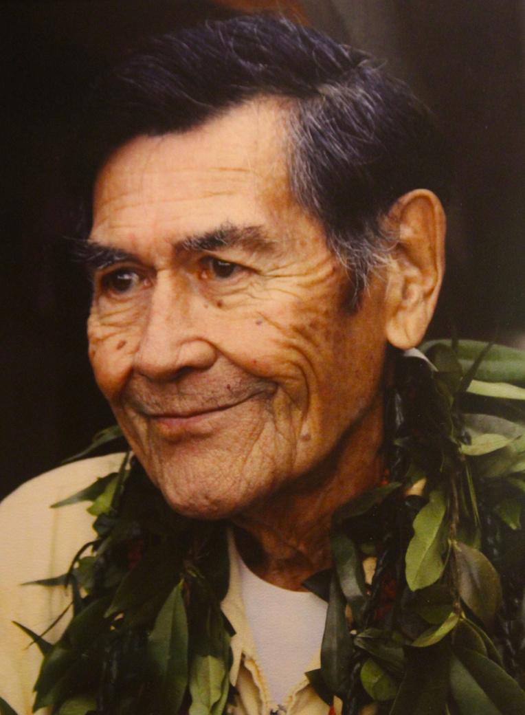Un portrait d'Herb Kawainui Kane qui est décédé le 8 mars 2011, il y a neuf ans, après avoir consacré sa vie à la renaissance de la culture polynésienne à Hawaii.