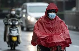 Dans une rue de Shanghai le 11 février 2020 ( AFP / NOEL CELIS )