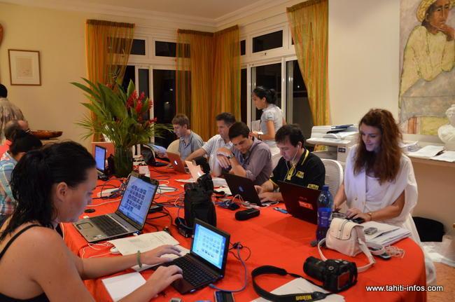 QG de campagne, les journalistes sur le pied de guerre au Haut Commissariat pour vous livrer les résultats en direct...au premier plan, Moeata de Tahiti Infos