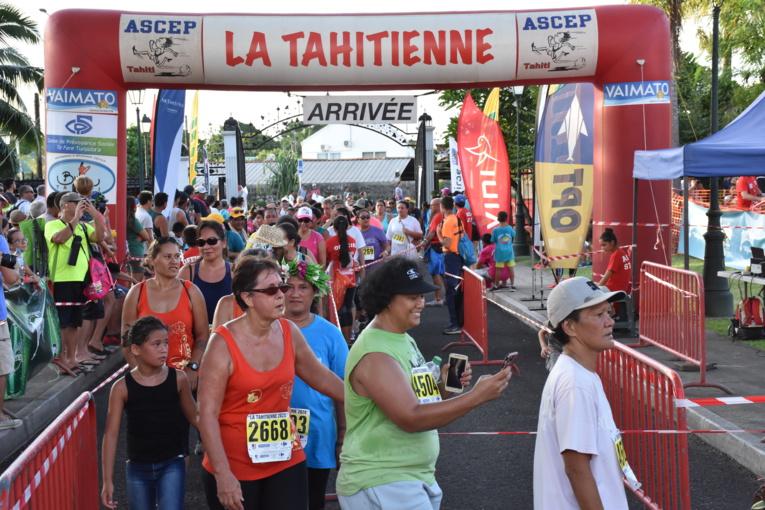 Organisée à l'occasion de la journée des droits des Femmes, l'ensemble des bénéfices de La Tahitienne, générés par les frais de participations et les dons, sont renversés intégralement à l'APAC.