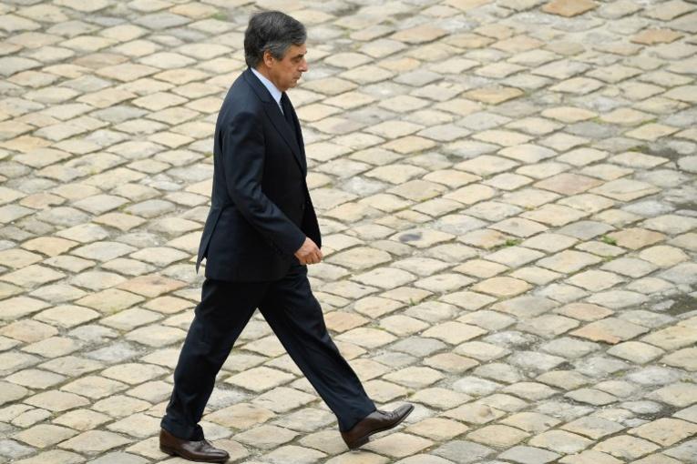 """Au procès Fillon, la défense s'élève contre une accusation """"simpliste"""""""