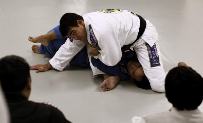 Sydney SILVA, star du Jiu-Jitsu brésilien et du MMA, en séminaire à Tahiti.