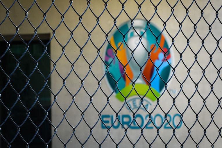 Coronavirus: exit l'Euro-2020, le foot se résigne à un Euro-2021
