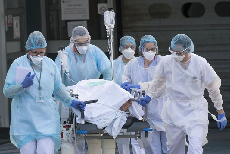 Le coronavirus a tué plus de 10.000 personnes, inquiétude grandissante pour les pays pauvres