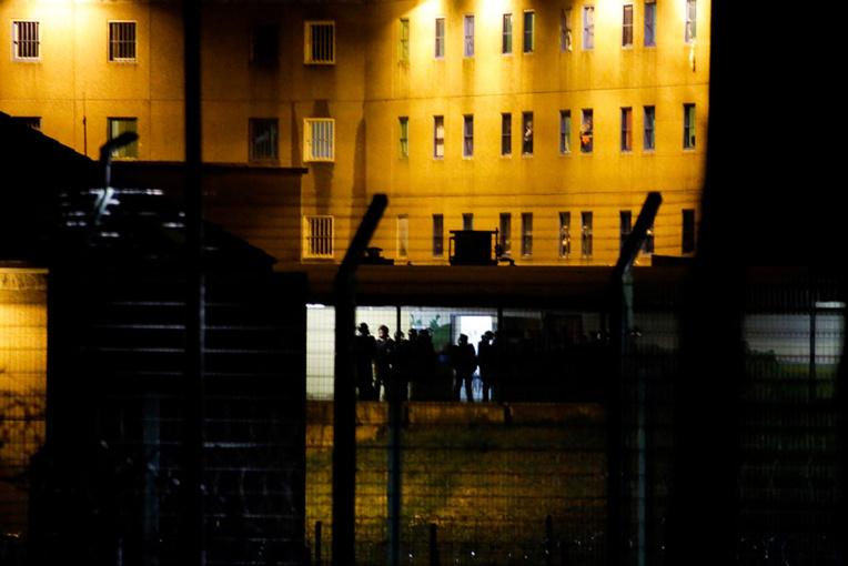 """Mutinerie en Corrèze: deux détenus intoxiqués par des fumées, dégâts """"importants"""""""