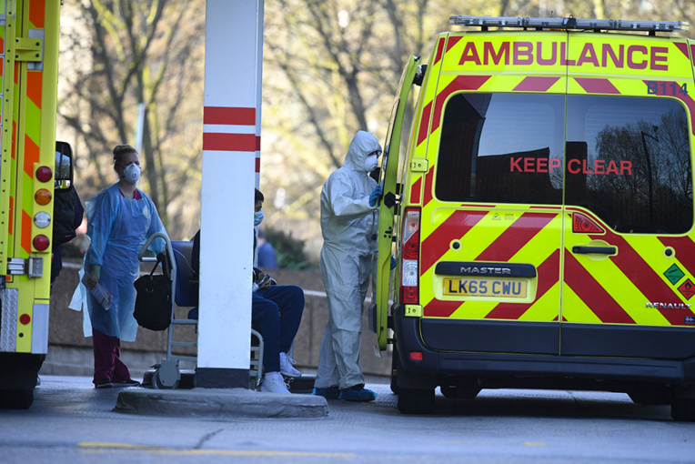 "Coronavirus : ""tsunami"" de malades à Londres"