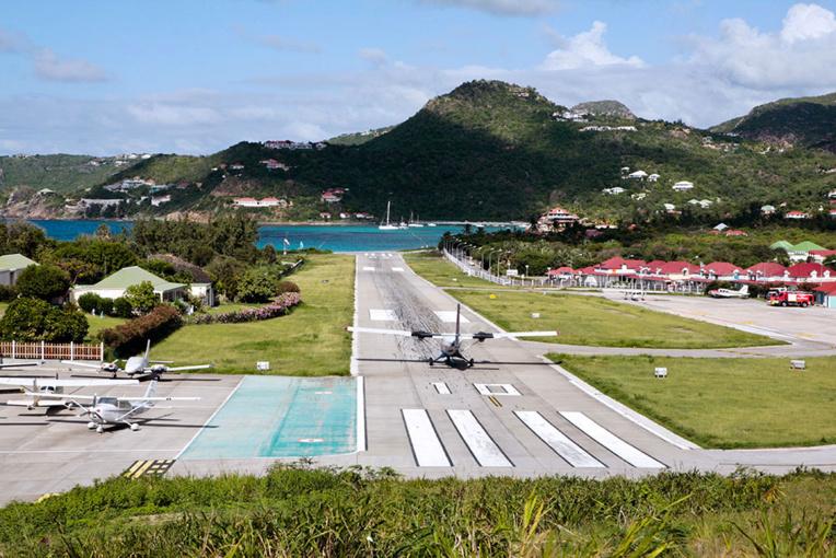 Covid-19: les voyagistes français reportent tous les départs prévus jusqu'au 15 mai