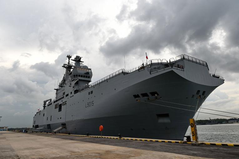 Le porte-hélicotères Dixmude doit partir vendredi vers la zone Antilles-Guyane