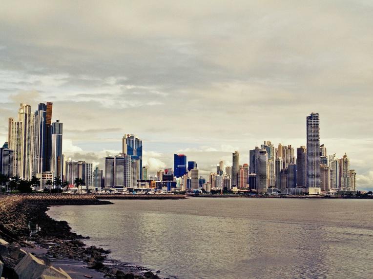 Covid-19: au Panama, des jours de sortie distincts pour hommes et femmes