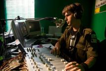 A Bornéo, une radio branchée sauve les animaux menacés
